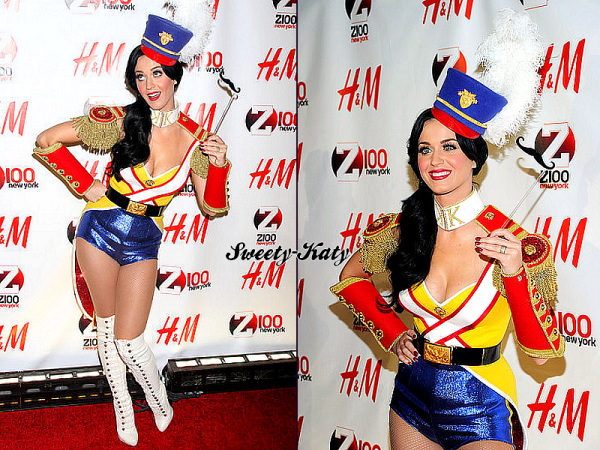 10.12.2010 Notre belle Katy arrivant aux 'Jingle Ball presented be H&M' & dans les coulisses.