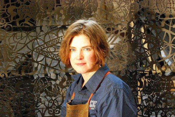 Une journée avec une artiste sur métaux...