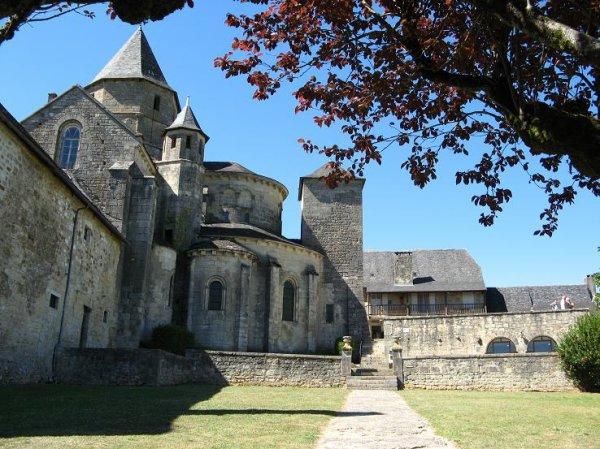 Magnifique petit village de la Corrèze