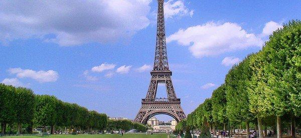 La tour Eiffel emmurée cet automne ...