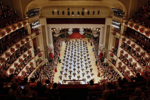 Autriche ... Bal de l'Opéra de Vienne !