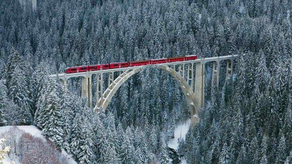 petite  virée  !!!!!  « Rhäetian Railway » : belle balade en train de Suisse ...