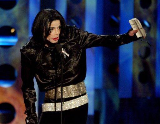 Michael Jackson était presque aveugle et avait des problèmes urinaires