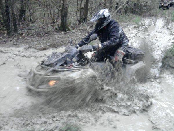 1er bain de boue pour le CAN AM !