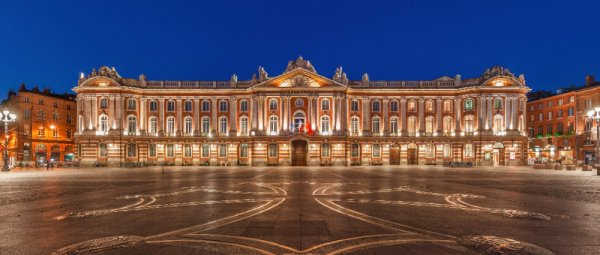 TOULOUSE LA BELLE