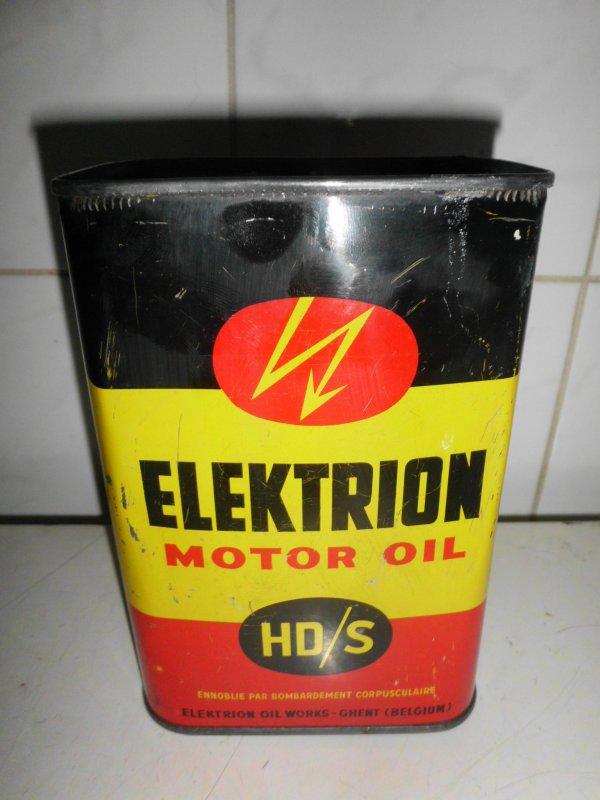 cadeau recu de mon ami Eddy Van Helden bidon d'huille vintage