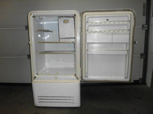 new achat pour bien commencer l'année 2014 frigo vintage ATE model usa