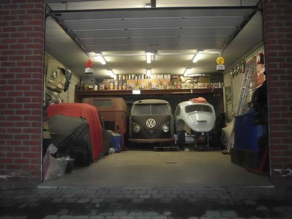 mon garage trop petit lol