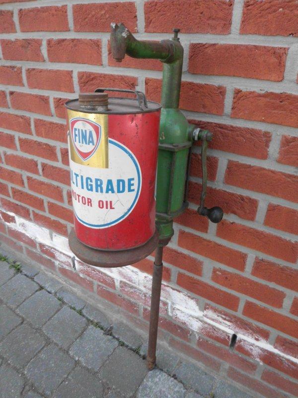 new achat le 28 mars 2014  pompe a huile vintage