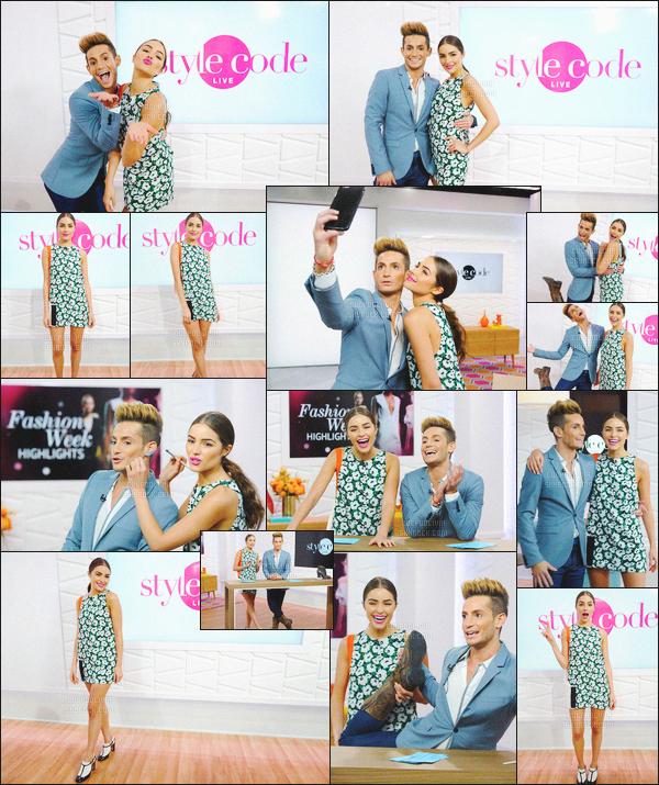 """- 14/09/16 - Olivia Culpo ainsi que son ami Frankie Grande ont co-présenté un épisode de la série """"Style Code Live"""".C'est avec une petite robe fleurie qu'Oliva à montrer le bout de son nez, j'aime beaucoup ses chaussures. Que penses-tu de la tenue d'Olivia?-"""