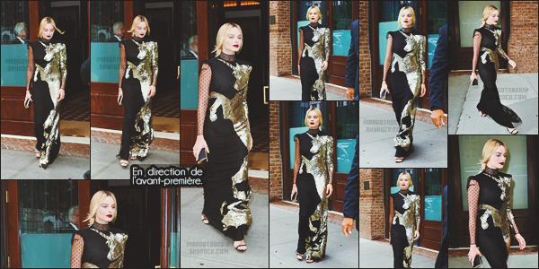 - -• 01/08/16-' : Margot Robbie assistait à la première mondiale du très attendu « Suicide Squad » se tenant - à New-York.    L'événement se déroulait au Beacon Theatre avec le cast du film au complet. Elle portait une robe de Alexander McQueen et un makeup dark. Top ! -