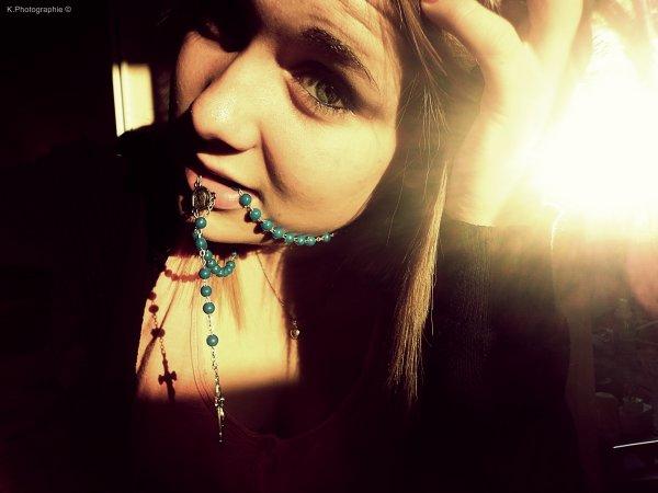 Une femme blesser par la vie et par les mots, blesser parce qu'elle continue de vivre par défaut ...