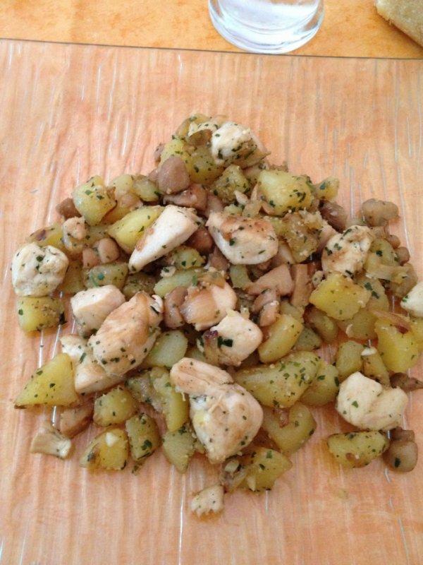 Poêlée de pommes de terre au poulet