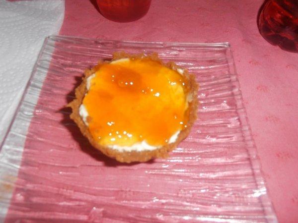 Tartelettes au mascarpone,confiture d'abricot et fond de tarte aux spéculoos