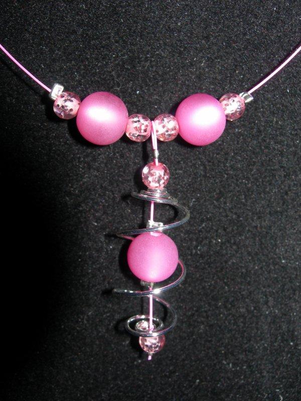 commande de noel : parure rose spirale perles opaques  et paillettées  VENDU