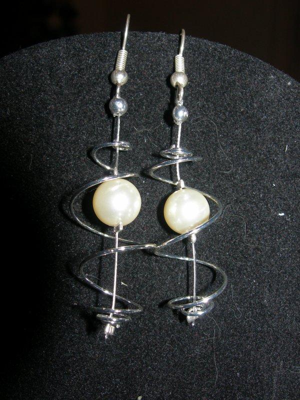 commande de noel : parure écrue   spirale perles nacrées  VENDU