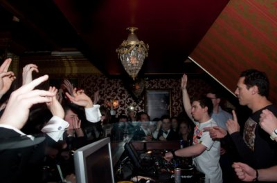 Tiesto assiste fête de l'école à Breda pour soutenir Hardwell