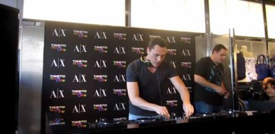 Tiesto en direct à Armani Exchange Store Beach Miami 2011