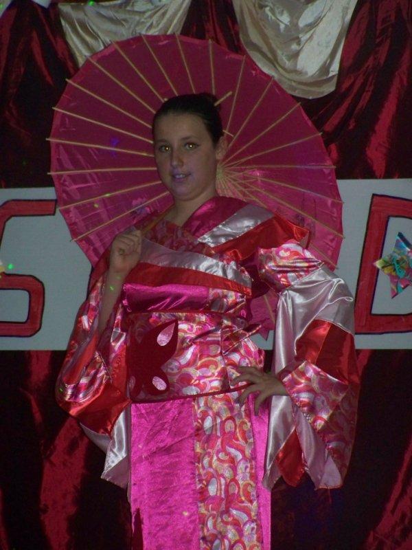 robe asiatique  50  euro