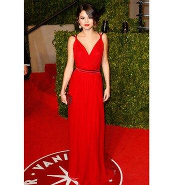 Oscars 2011 le tapis rouge (Selena Gomez)