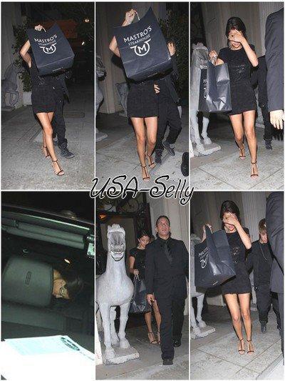 le 20 septembre Selena a été vue en compagnie de Justin Bieber quittant le Mastros Steakhouse à Beverly Hills.