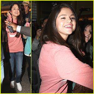 Selena Gomez: Belfast, Here I Come! 3/11/11