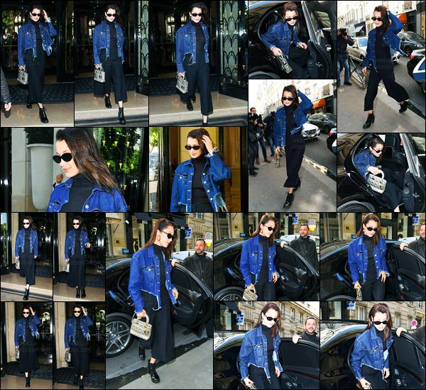21.04.2017 ─ Bella Hadid a été photographiée pendant qu'elle était dans les  rues étant dans Paris étant en France.La belle Bella H. enchaîne les sorties, ça fais plaisir de la revoir... Concernant sa tenue, c'est une très belle tenue pour ma part, donc un top ! Et vous ?
