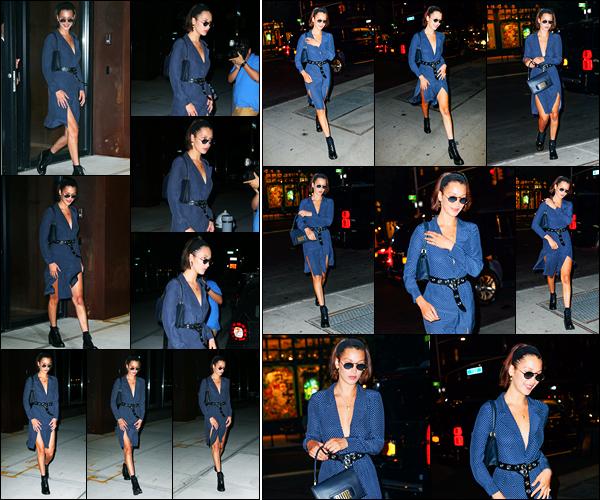 17.07.2017 ─ Bella Hadid a été photographiée alors qu'elle quittait son appartement dans Manhattan, à New-YorkLa belle mannequin a ensuite été photographiée alors qu'elle se promenait dans les rues de New-York. Concernant sa tenue, c'est un beau top pour moi !