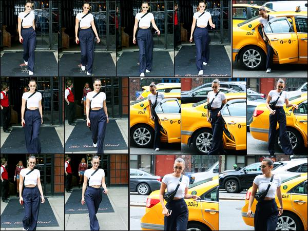 29.07.2017 ─ Bella Hadid a été photographiée, alors, qu'elle quittait l'hôtel « The Bowery » étant à New-York City.La belle B. était en compagnie de son amie, Hailey Baldwin. Un peu plus tard, elle a été photographiée sortant d'un taxi à New-York. Sa tenue est un top.