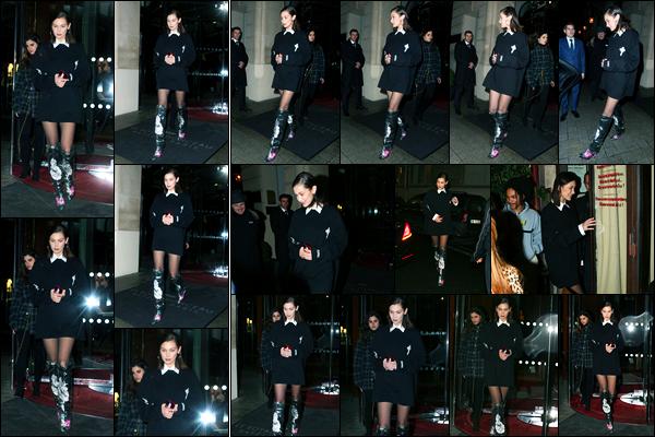 18.01.2018 ─ Bella Hadid a été photographiée, alors, qu'elle quittait l'hôtel le « Royal Monceau » étant dans Paris.C'est toujours à Paris que la belle B. a été photographiée dans un look totalement black, accompagnée de bottes qui ne sont pas très jolie. Un gros flop !