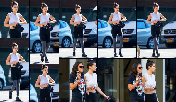 15.09.2015 ─ Bella Hadid a été photographiée, alors, qu'elle quittait son cours de gym étant dans New-York City.La belle mannequin se tient en forme afin de reprendre les défilés bientôt. Elle n'avait pas l'air ravie de voir les paparazzis. Concernant sa tenue, c'est top