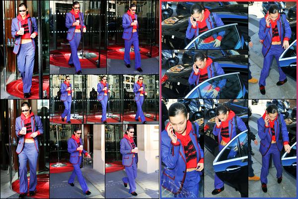 -26/02/2018- ─ Bella Hadid a été photographiée, alors, qu'elle quittait son hôtel Parisien dans les rues, étant, dans Paris !Plus tard dans la journée, la belle mannequin Bella H. a été photographiée dans les rues de la capitale. Concernant sa tenue, c'est un flop pour ma part..