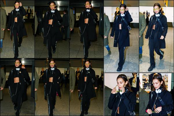 -19/02/2018- ─ Bella Hadid a été photographiée alors qu'elle arrivait à l'aéroport de « Heathrow » étant dans Londres UK.La fashion week à Londres étant bientôt finis, es ce que la belle mannequin partirait direction de Milan ? C'est à voir ! Concernant sa tenue, c'est un top !
