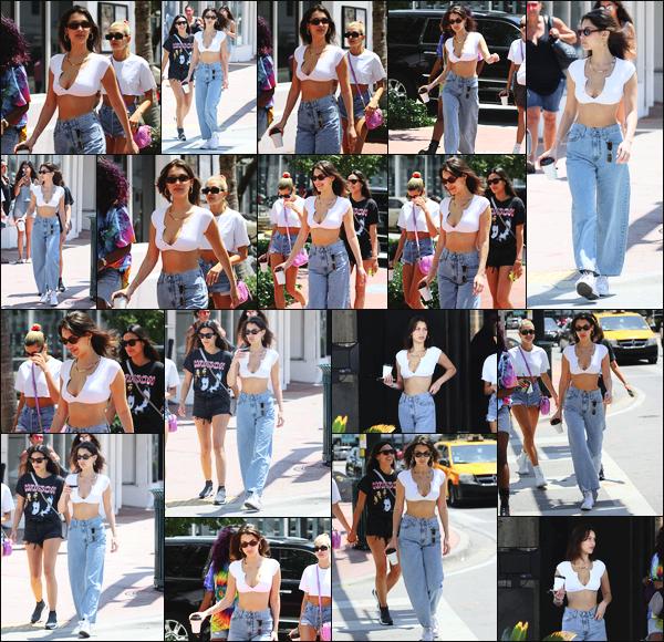 -29/04/2018- ─ Bella Hadid a été photographiée alors qu'elle quittait le magasin « Kith » étant à Miami Beach en Floride !C'est en compagnie de ses amies, notamment Hailey Baldwin, que la belle a été photographiée dans les rues... Sa tenue c'est un beau top pour ma part !