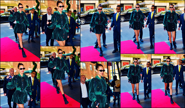 -07/05/2018- ─ Bella Hadid a été photographiée, alors, qu'elle arrivait à l'hôtel « The Carlyle hotel », étant, à New-York !C'est avec ses lunettes de soleil sur le nez et dans une jolie tenue que la belle B. a été photographiée ! Concernant sa tenue, c'est un top pour ma part !