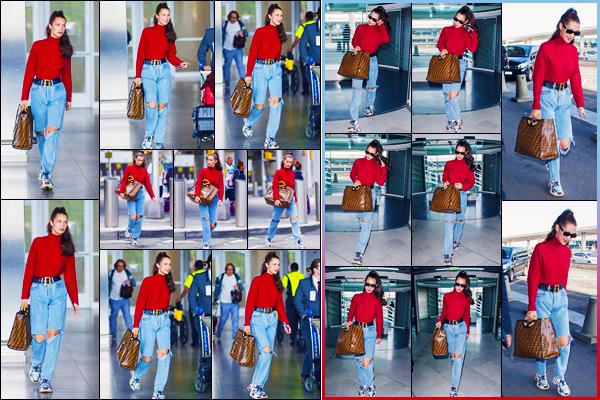 -02/06/2018- ─ Bella Hadid a été photographiée, alors, qu'elle arrivait à l'aéroport de « JFK », dans la ville de New-York !La belle mannequin B. a été photographiée plus tôt à l'aéroport « Charles de Gaulle » dans Paris. Concernant sa tenue, c'est un beau top pour ma part !