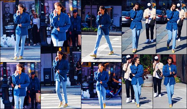 -30/09/2018- ─ Bella Hadid a été photographiée, alors, qu'elle se promenait dans les rues dans la ville étant à New-York !La belle mannequin Bella Hadid rejoignait l'appartement de sa s½ur toujours à New-York City. Concernant sa tenue, c'est un très beau top pour ma part.