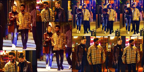 -10/10/2018- ─ Bella Hadid a été photographiée, alors, qu'elle promenait dans les rues, dans le quartier de Tribeca à N-Y !La belle mannequin Bella Hadid était en compagnie de son petit-ami, le chanteur - The Weeknd, dans les rues... Concernant sa tenue, c'est un beau top !