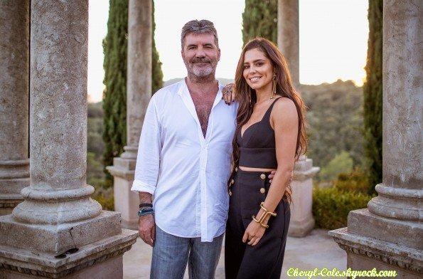 """01/10/2017 : Chezza à été aperçue se promenant à Paris """" •Réseaux Sociaux Découvre une image de Cheryl avec Simon Cowell pour la saison 14 de X Factor UK datant du 07 octobre 2017 ! """""""