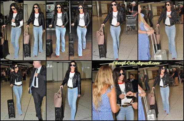 - 22/07/2018 : Cheryl était à un aéroport se trouvant à Dublin, en Irlande. J'aime beaucoup la tenue de la chanteuse que je trouve très simple mais efficace, top ! -