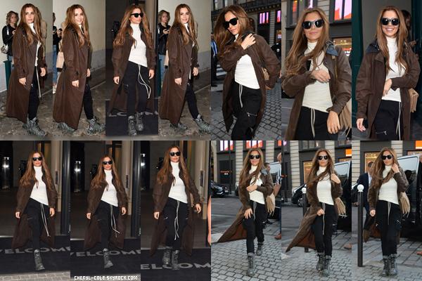 - 27/09/2019 : Cheryl lors de son arrivée à Paris, FR ! C. portait une tenue confortable mais vraiment affreuse, un flop. -