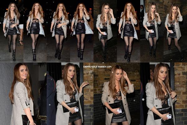 - 05/10/2019 : Cheryl arrivant puis quittant le club Chiltern Firehouse à Londres, UK ! C. portait un beau décolleté lui allant à ravir, c'est un beau top ! -