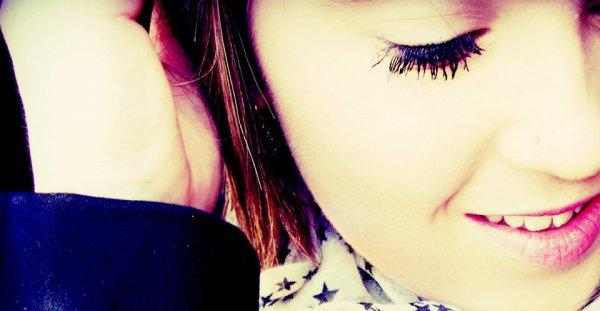 ◊ - Loin de se mal qui allais m'envahir, avec toi je ne pensser qu'as sourire.