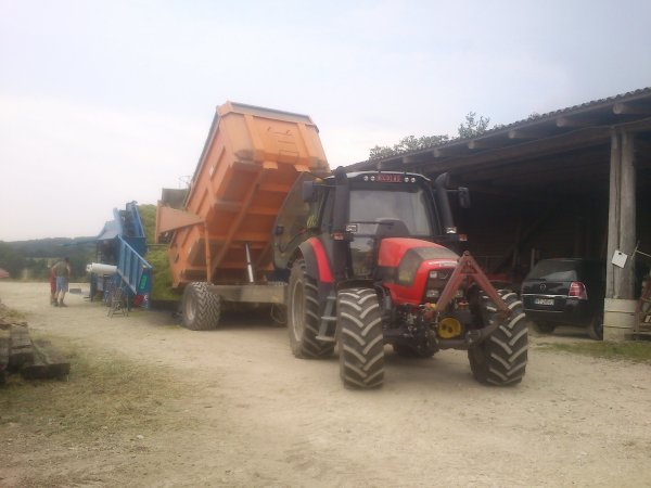 blé imature avec NH tvt 190 avec goweil lt master , claas jaguar 940 , sam et 2 steyr