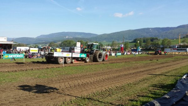 Tracteur pulling à develier