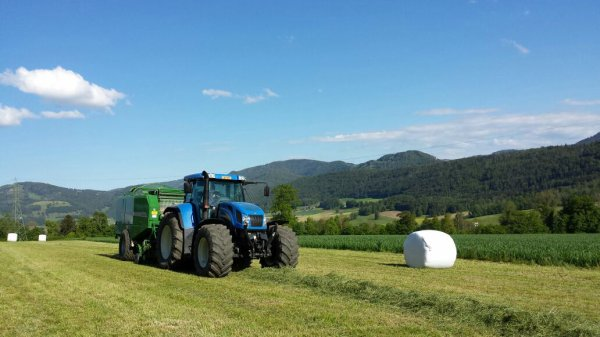 New Holland tvt 190 avec mchale