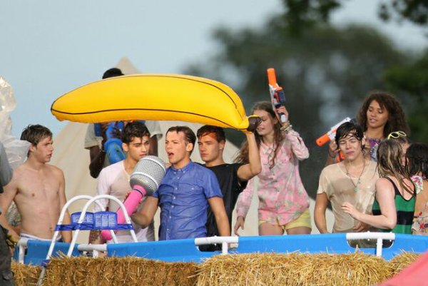 Live Will We're Young !!