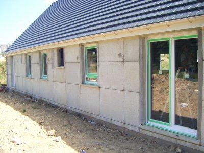 Pose des fenetres et portes la construction de notre for Fenetre maison phenix