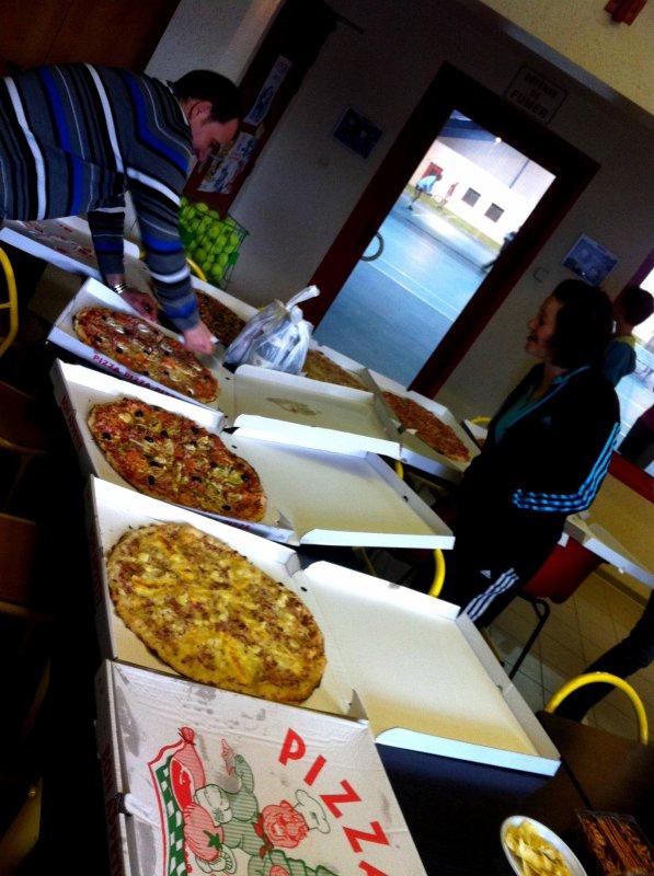 12/04/13 Soirée pizza au tennis.
