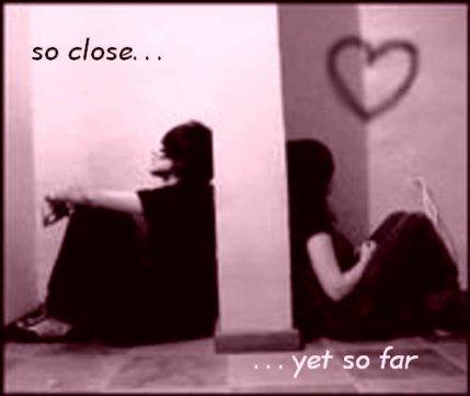 La pire façon de sentir le manque de quelqu'un est de s'assoir à ses côtés et de savoir qu'il ne seras jamais à toi...